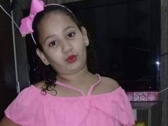 Mãe da menina Eloah, que teve perna amputada, comemora nova lei contra linha chilena