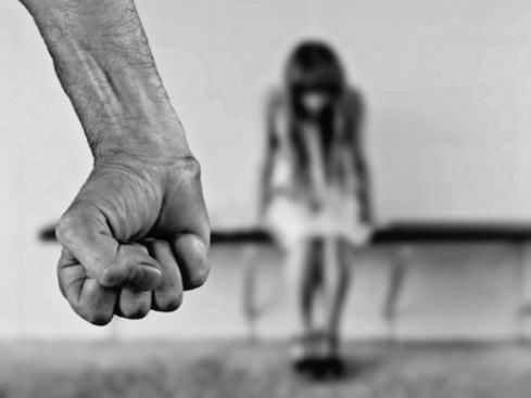 MEC retira exigência para que livros abordem violência contra mulher