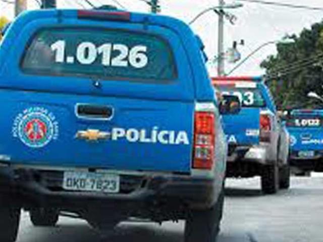 Sargento da PM é obrigado a entrar em carro e assaltado no Cabula