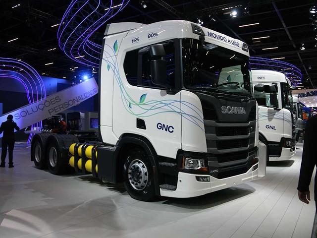 Scania anuncia venda do caminhão R410 movido a gás e a biometano na Fenatran 2019