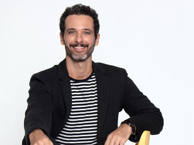 Após Popstar, ator Mouhamed Harfouch investe na música e emplaca single em 'Órfãos da Terra'