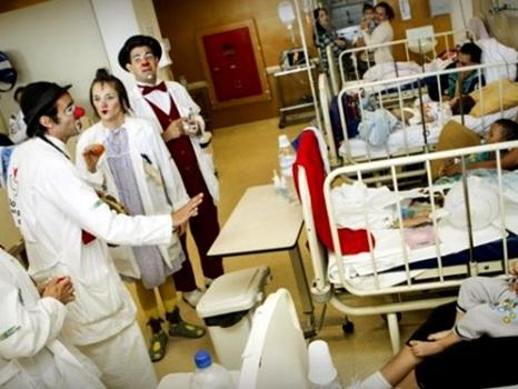 O que duas crianças hospitalizadas ensinam aos adultos sobre comunicação