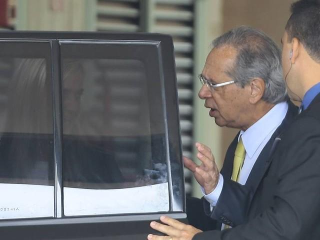 Paulo Guedes diz nos bastidores que tem sido mal interpretado na relação com a imprensa