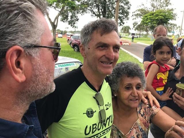 Sem cargo público | Irmão de Bolsonaro faz intermediação de verbas do governo federal