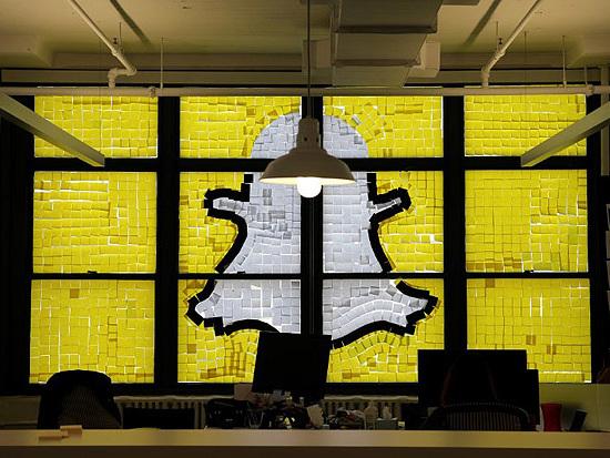 Chinesa Tencent, dona do WeChat, compra 12% do Snapchat