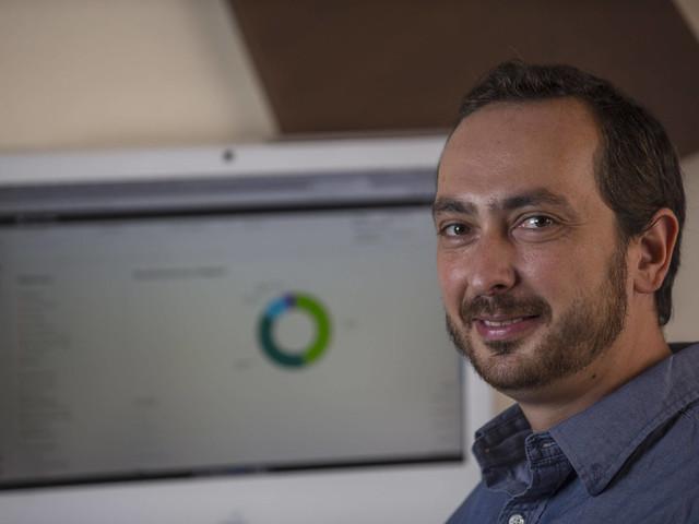 Softwares auxiliam pequenos empresários a gerir contas