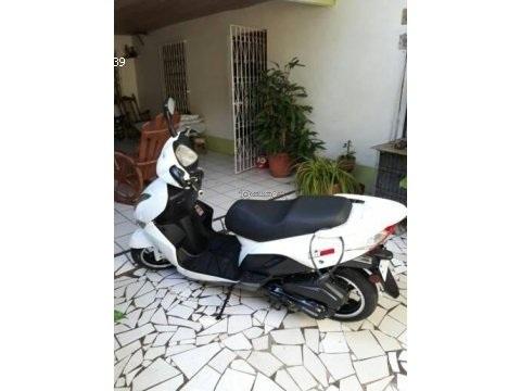 Moto Yumbo Bit cc150 2015 Automatica
