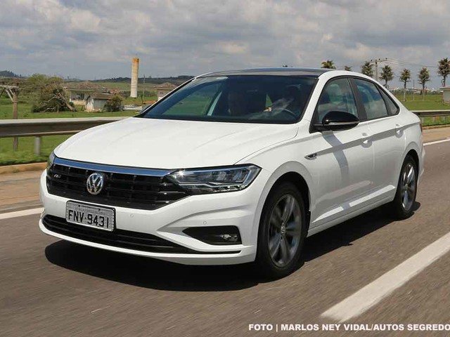 Primeira Volta: Volkswagen Jetta 2019 Comfortline tem desempenho adequado