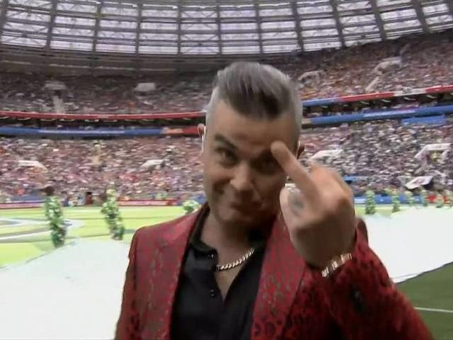 Organizador minimiza gesto obsceno feito por Robbie Williams em abertura da Copa