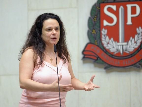 Em grupo de WhatsApp, Janaína Paschoal questiona a sanidade de Jair Bolsonaro