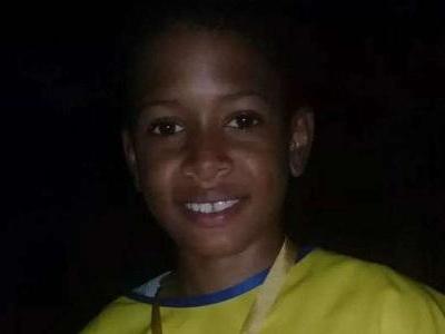 Menino de 13 anos | Morte em MG relembra perigo de usar celular enquanto carrega