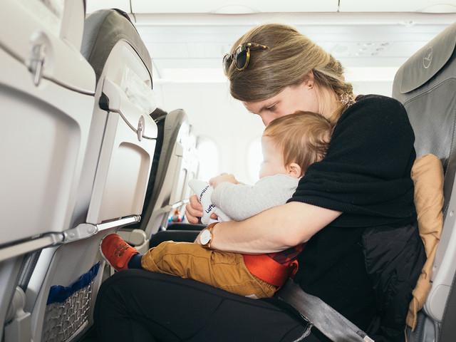 6 dicas preciosas para viajar de avião com as crianças