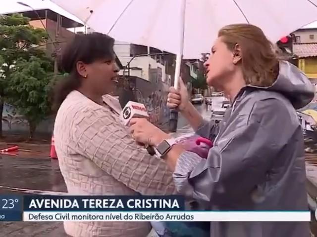Repórter flagra mulher que não mora em área afetada por enchentes pegar doações e a questiona ao vivo