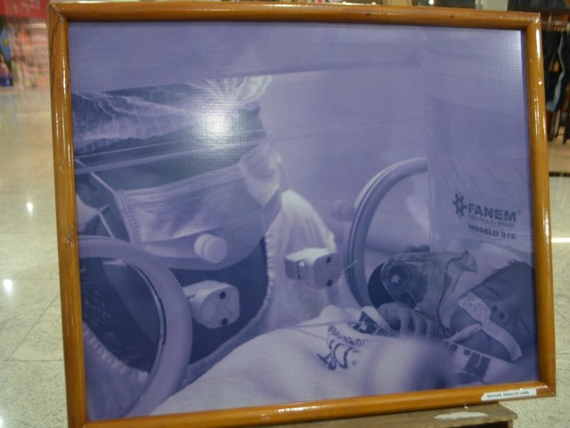 Exposição fotográfica sobre aleitamento materno busca sensibilizar para o ato de doar