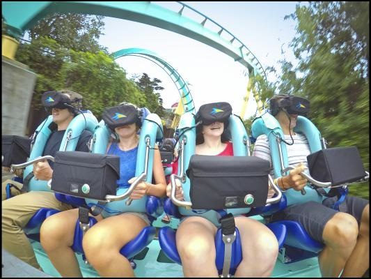 Kraken Unleashed, testamos a montanha russa com realidade virtual