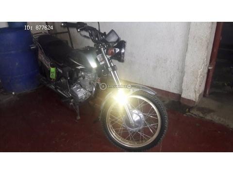 Moto Honda CGL 125 año 2012