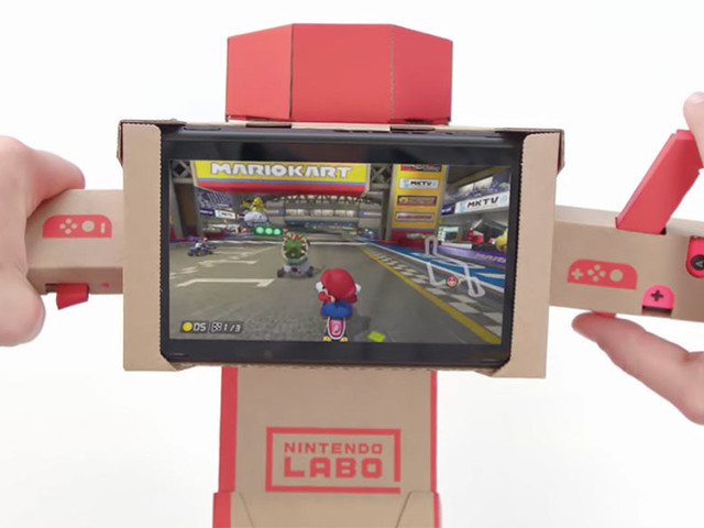 Use o guidão de moto do Labo para jogar Mario Kart 8 no Switch!