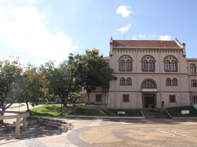 Apenas 12,6% das leis aprovadas na Câmara de São Carlos são de autoria dos vereadores
