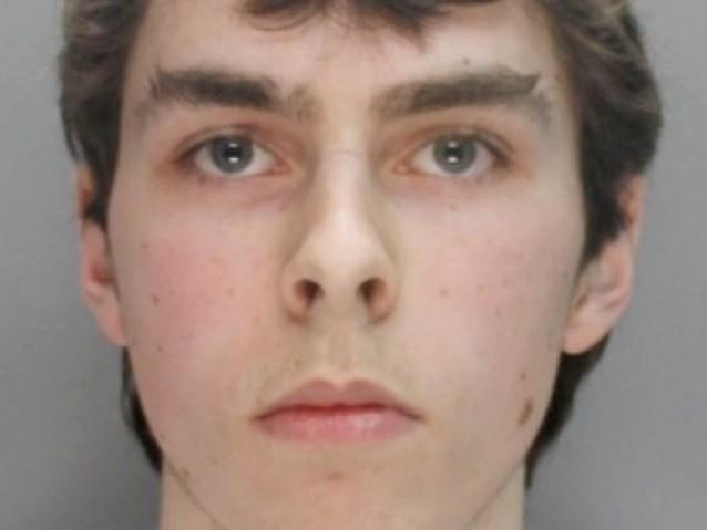 Adolescente é condenado a dois anos de prisão por hackear Xbox Live e Minecraft
