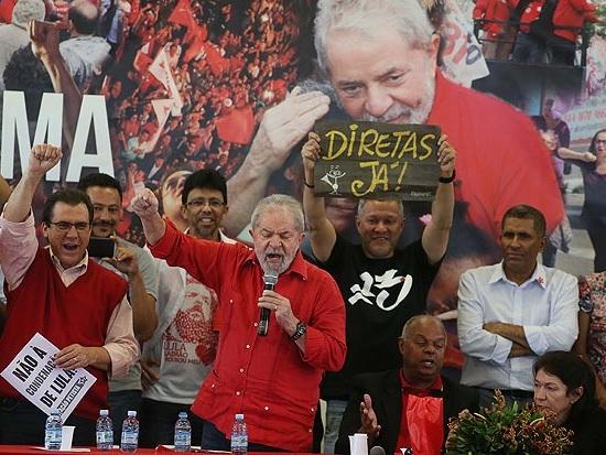 #hashtag: Internautas revoltam-se com proposta da 'Emenda Lula' e avisam: 'vamos às ruas'