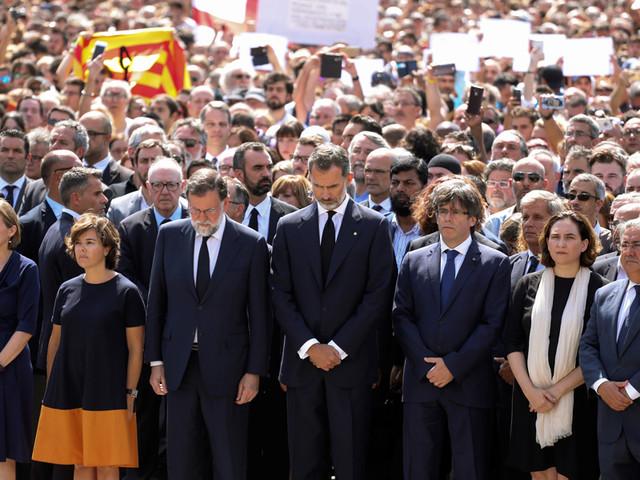 Marcelo e Costa na missa em Barcelona pelas vítimas do atentado terrorista