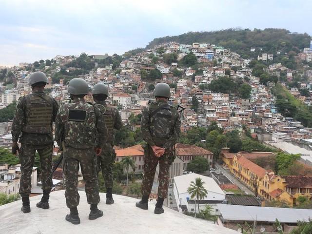 STJ aumenta indenização para família de jovem morto após ser entregue por militares ao tráfico
