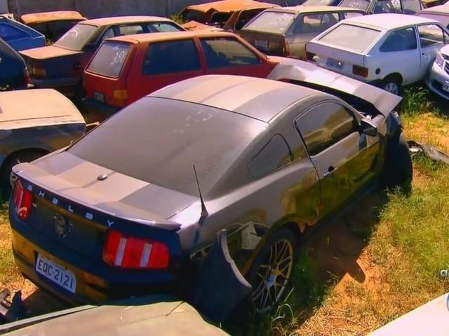 Justiça manda devolver CNH e carro esportivo a motorista que provocou acidente com morte