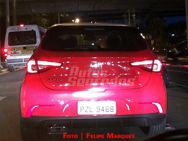 Fiat Argo 2018 seguem em testes de divulgação
