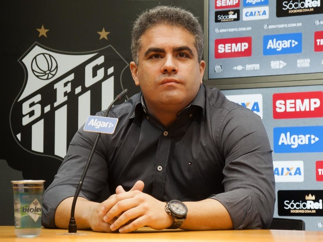 """Rollo prevê negociação difícil com Huachipato: """"Santos não pagou um real"""""""
