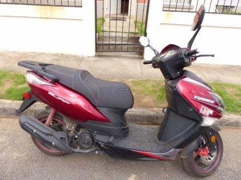 Moto Scooter Yumbo Surf 150