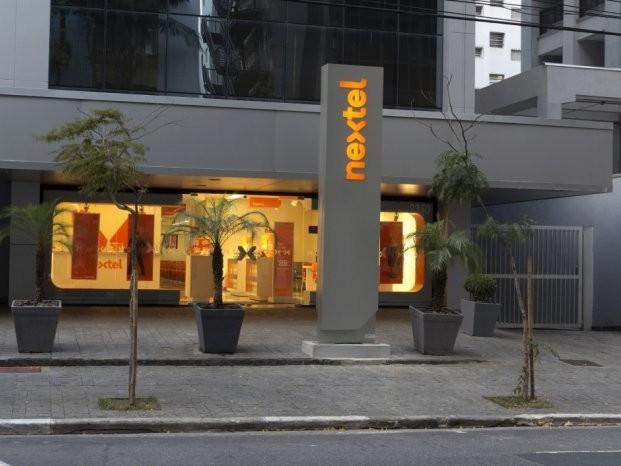 Claro compra Nextel por R$ 3,47 bilhões
