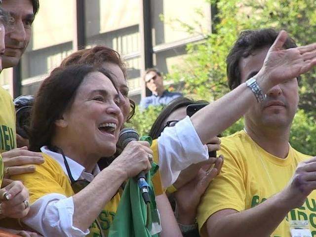 Bolsonaro convida Regina Duarte para assumir secretaria de Cultura