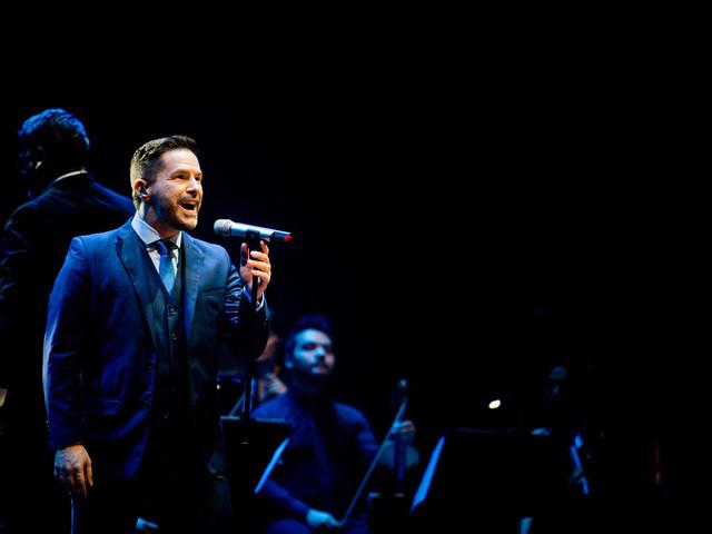 Pedro Mariano faz show mais intimista em SP: 'Estava cansado de shows com tantos músicos'