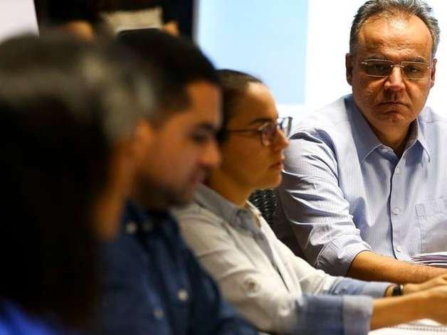 Relator da Previdência adia apresentação de relatório para quinta