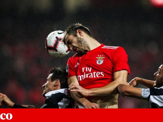 Benfica renova contrato com Ferro até 2024