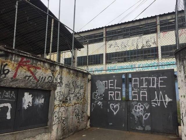 Drogas, evasão e falta de luz e água são marcas da pior escola do Enem em SP