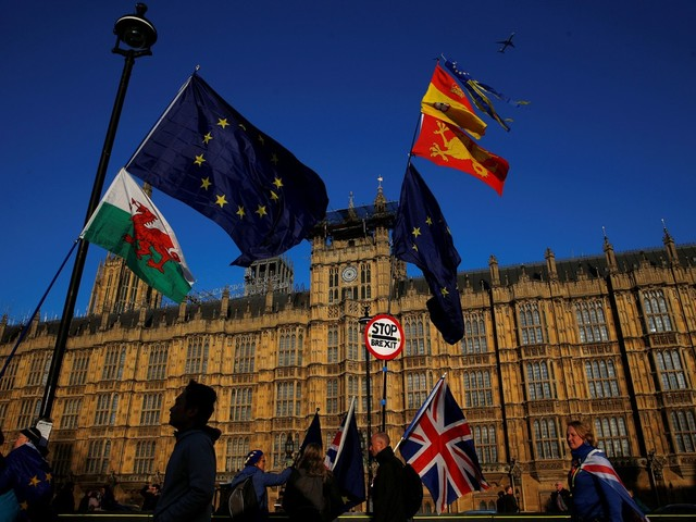 Promessa de renúncia e alternativas rejeitadas: entenda em que ponto está o conturbado processo do Brexit