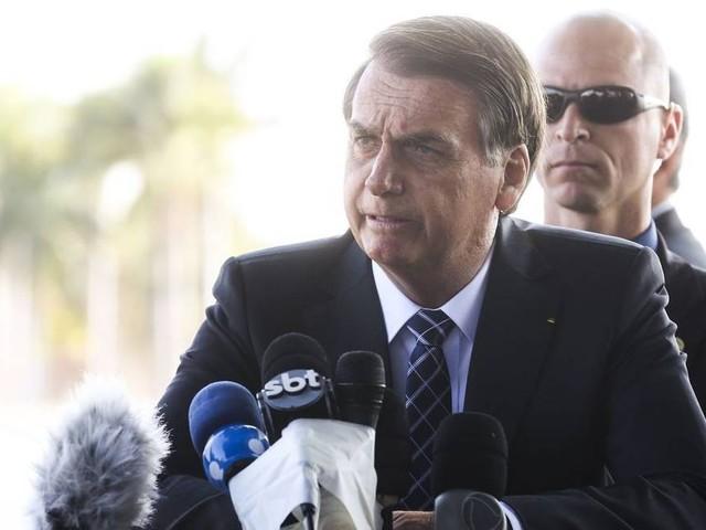 Correios estão na lista de empresas que serão privatizadas, mas processo será 'longo', diz Bolsonaro