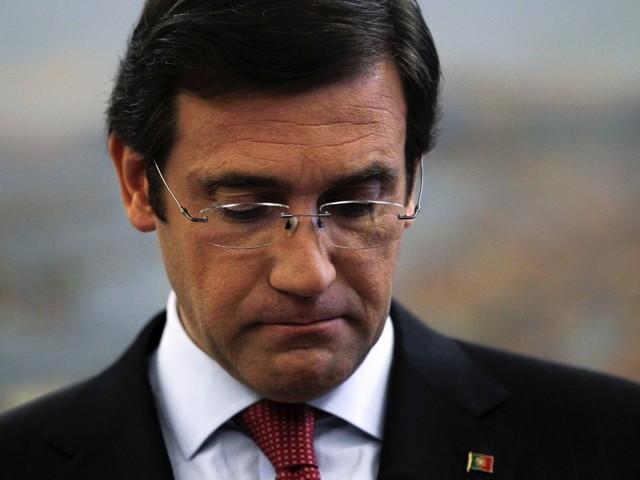 """Passos Coelho acusa Governo: """"Meteu férias"""" e deixou Marcelo """"dar a cara pelos problemas"""""""