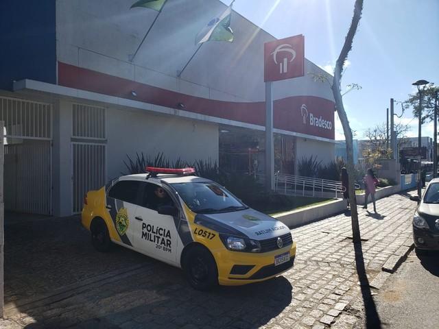 Ladrões arrombam duas agências bancárias em Curitiba