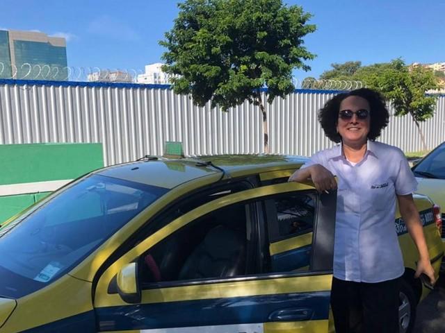 Taxistas do Rio de Janeiro aprendem outros idiomas para aumentar renda