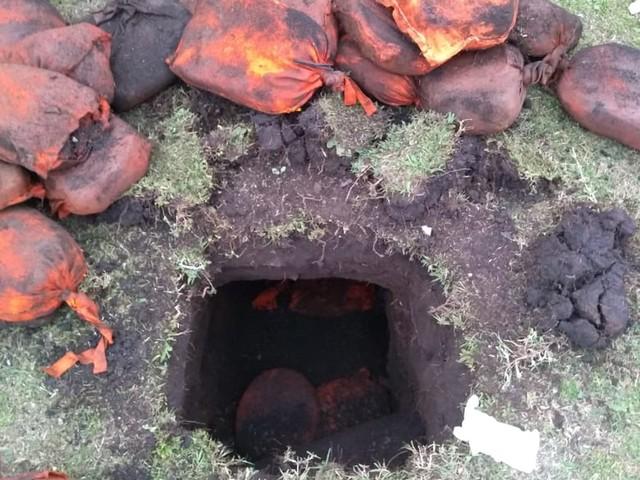 Agentes encontram túnel em gramado da Penitenciária de Piraquara
