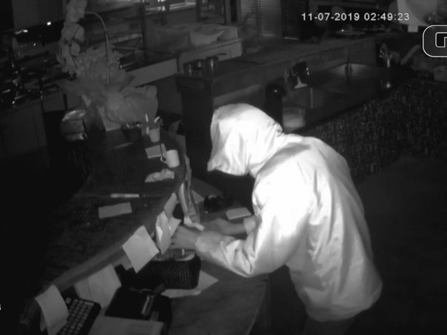 Ladrão é solto em SP e volta ao local do crime para dar 'tchauzinho'