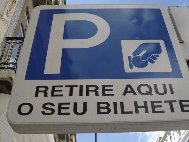 Processo judicial dos parquímetros de Carnide, em Lisboa, foi suspenso
