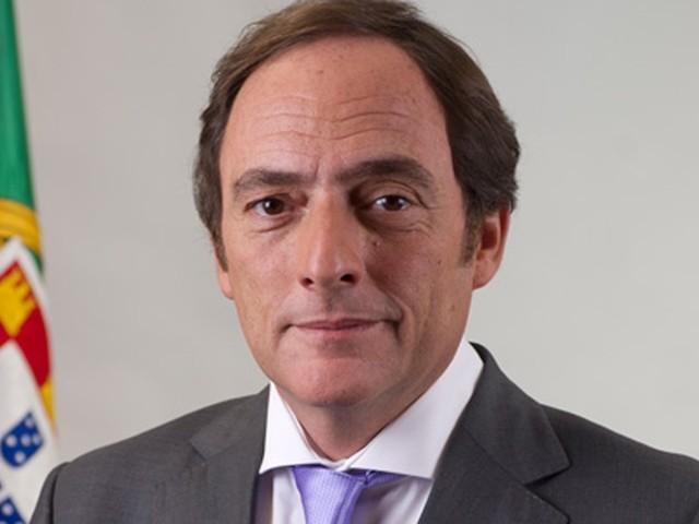"""Portas foi talvez """"o melhor"""" ministro da Defesa, defende socialista João Soares"""