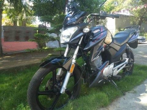 Vendo preciosa moto Yamaha ybrz prácticamente nueva 2018