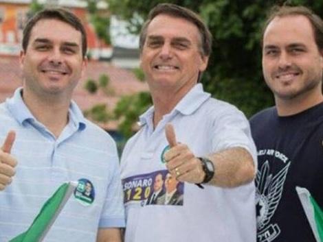 """Filho de Bolsonaro adere a grito de petistas e dispara: """"Abaixo a Rede Globo"""""""