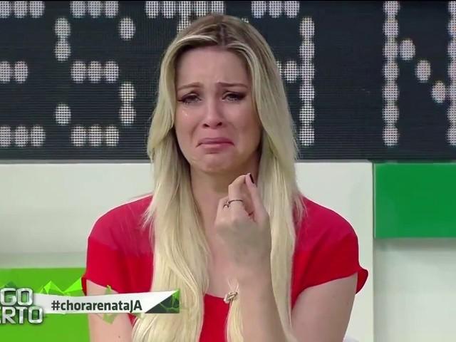 Em choque! Renata Fan passa por situação incontrolável e quase pula do avião durante voo para Porto Alegre