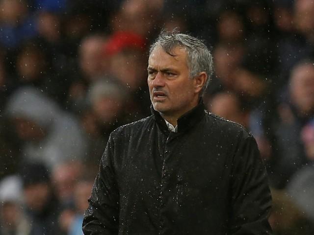 Benfica cansou United e Huddersfield agradeceu