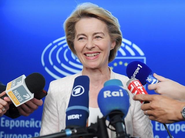 Von der Leyen kündigt Rücktritt als Verteidigungsministerin an